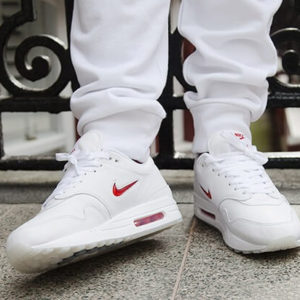 Nike Air Max 1 shoelaces