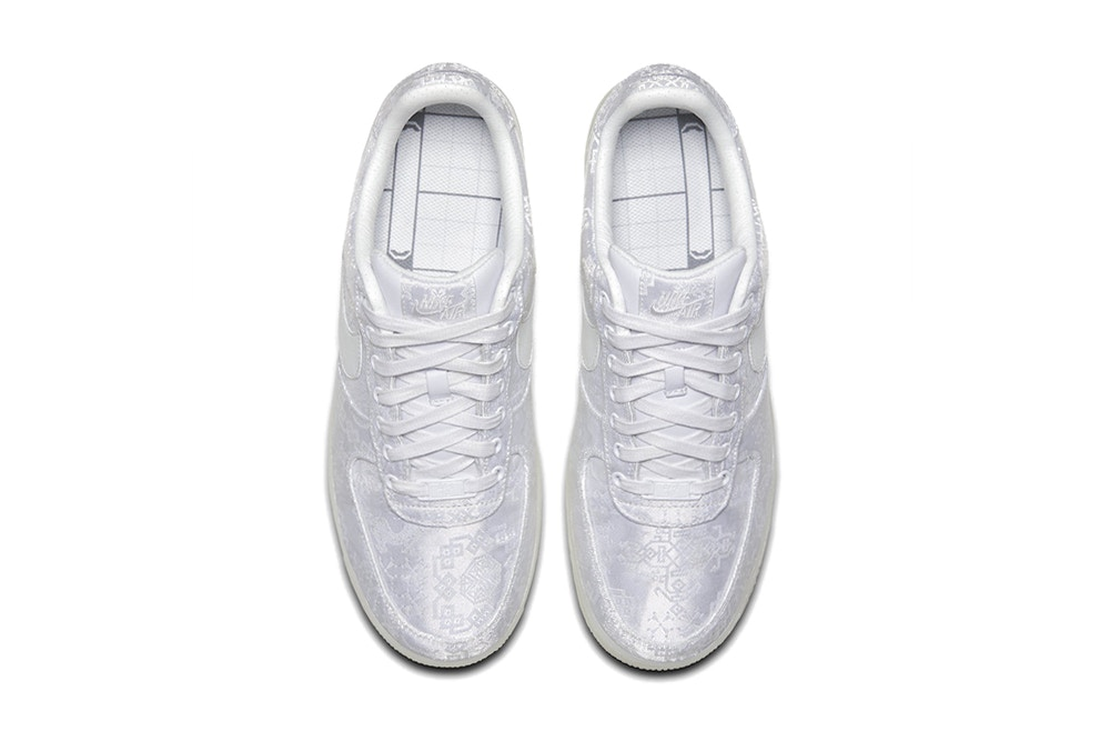 buy online 9b7a4 9e4b7 The Clot x Nike Air Force 1 Premium | Laces Matched Sneaker Blog