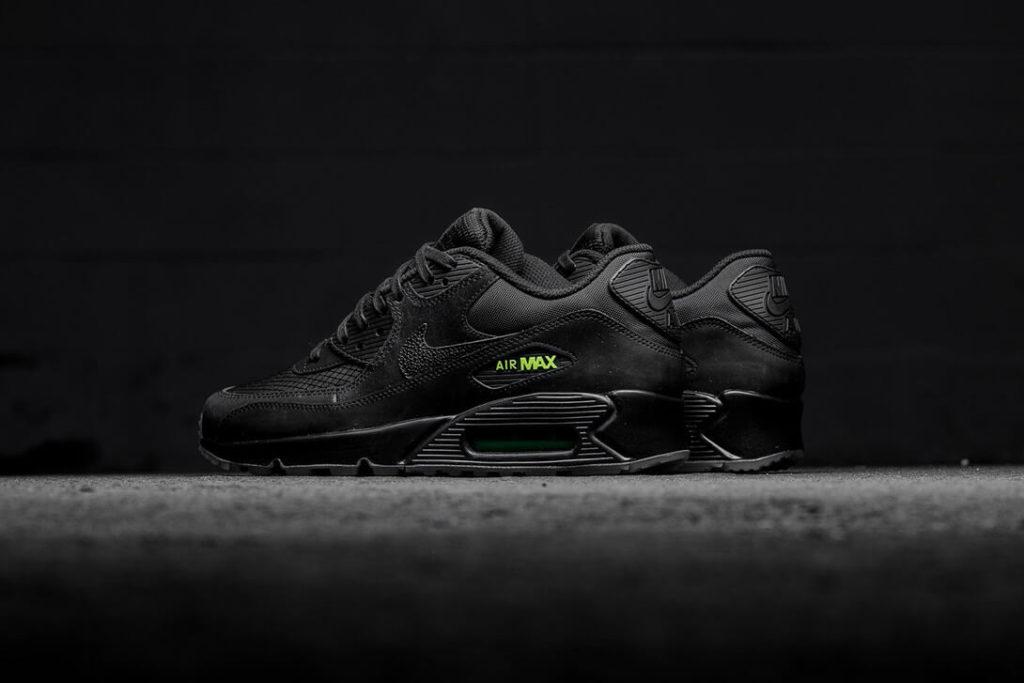 Nike-black-volt